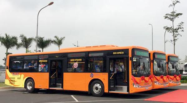 Buýt chất lượng cao sân bay Nội Bài hút khách-Taxi Nội Bài